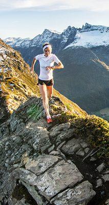 Emelie Forsberg på Romsdalseggen i Romsdalen
